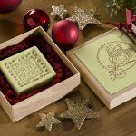 Ideen mit Seife für Weihnachten: Weihnachtsüberraschung   Seife mit Kürbiskernöl für wintergestresste Hände schön verpackt in einer Pappschachtel mit BUTTERER STEMPEL