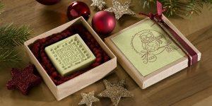Ideen mit Seife für Weihnachten: Weihnachtsüberraschung | Seife mit Kürbiskernöl für wintergestresste Hände schön verpackt in einer Pappschachtel mit BUTTERER STEMPEL