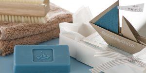 Ideen mit Seife für Kommunion und Konfirmation: Mit Jesus auf der Reise | Seifenstück und Verpackung mit Segelschiff als Dankeschön